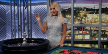 Nainen ja rulettipöytä